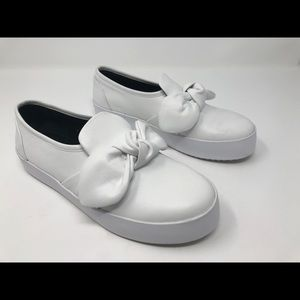 Rebecca Minkoff White Stacey Leather Bow Flats 6.5